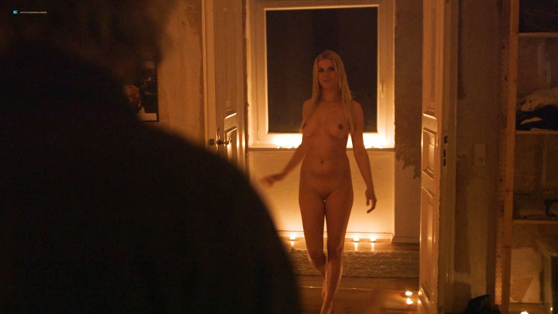 Jenny Edner nude full frontal Melina Hess nude labia - Fikkefuchs (DE-2017) HD 1080p (11)