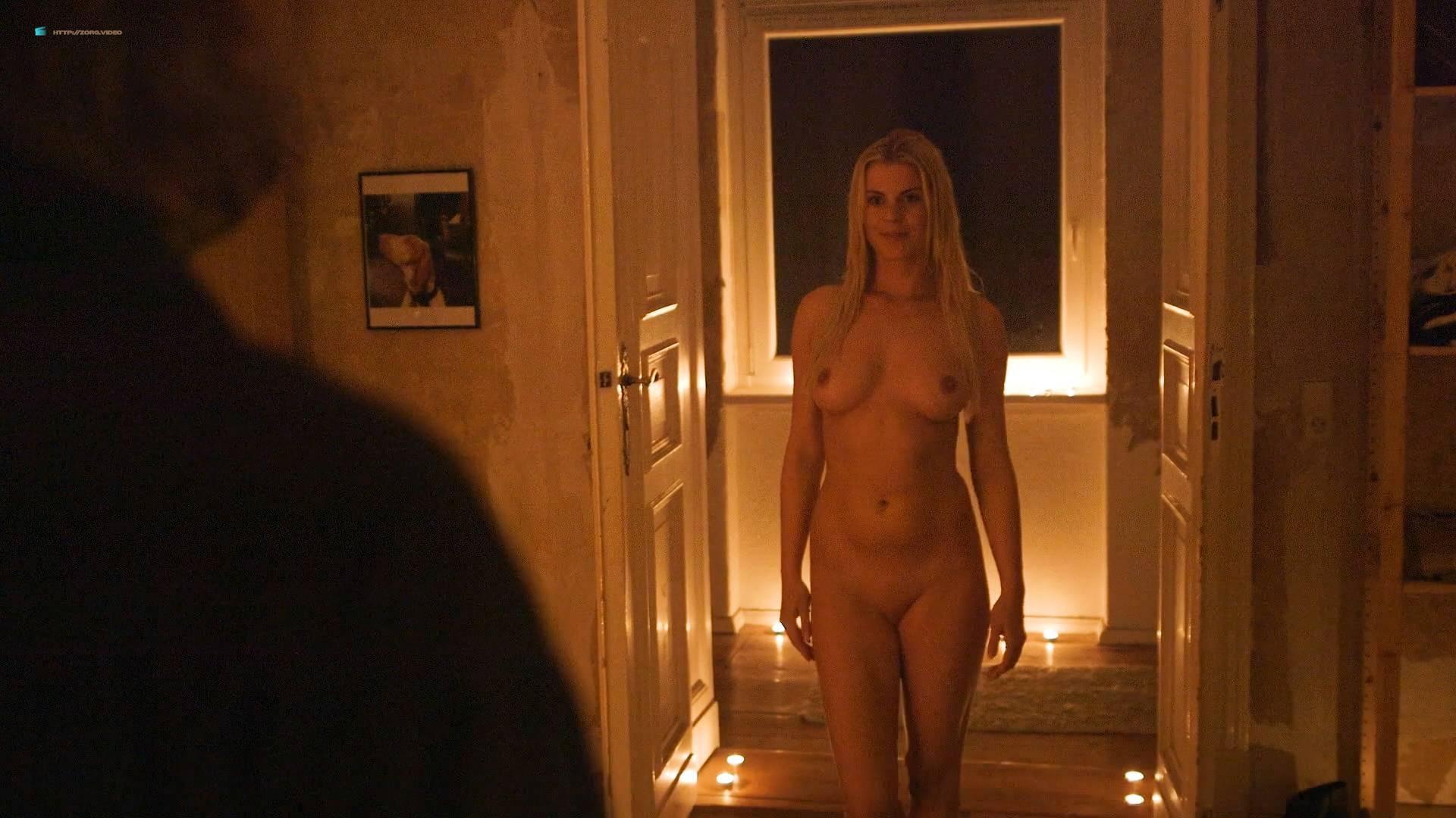 Jenny Edner nude full frontal Melina Hess nude labia - Fikkefuchs (DE-2017) HD 1080p (10)