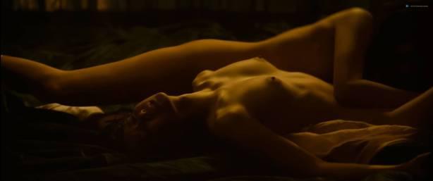 Lee You-young nude sex Cha Ji-Yeon and Lim Ji-Yeon all nude - Gansin (KR-2015) HD1080p (3)
