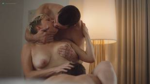 Natalie Joy Johnson bush sex threesome near explicit Alex Auder bush Nyseli Vega boobs - High Maintenance (2018) S2 HD 1080p