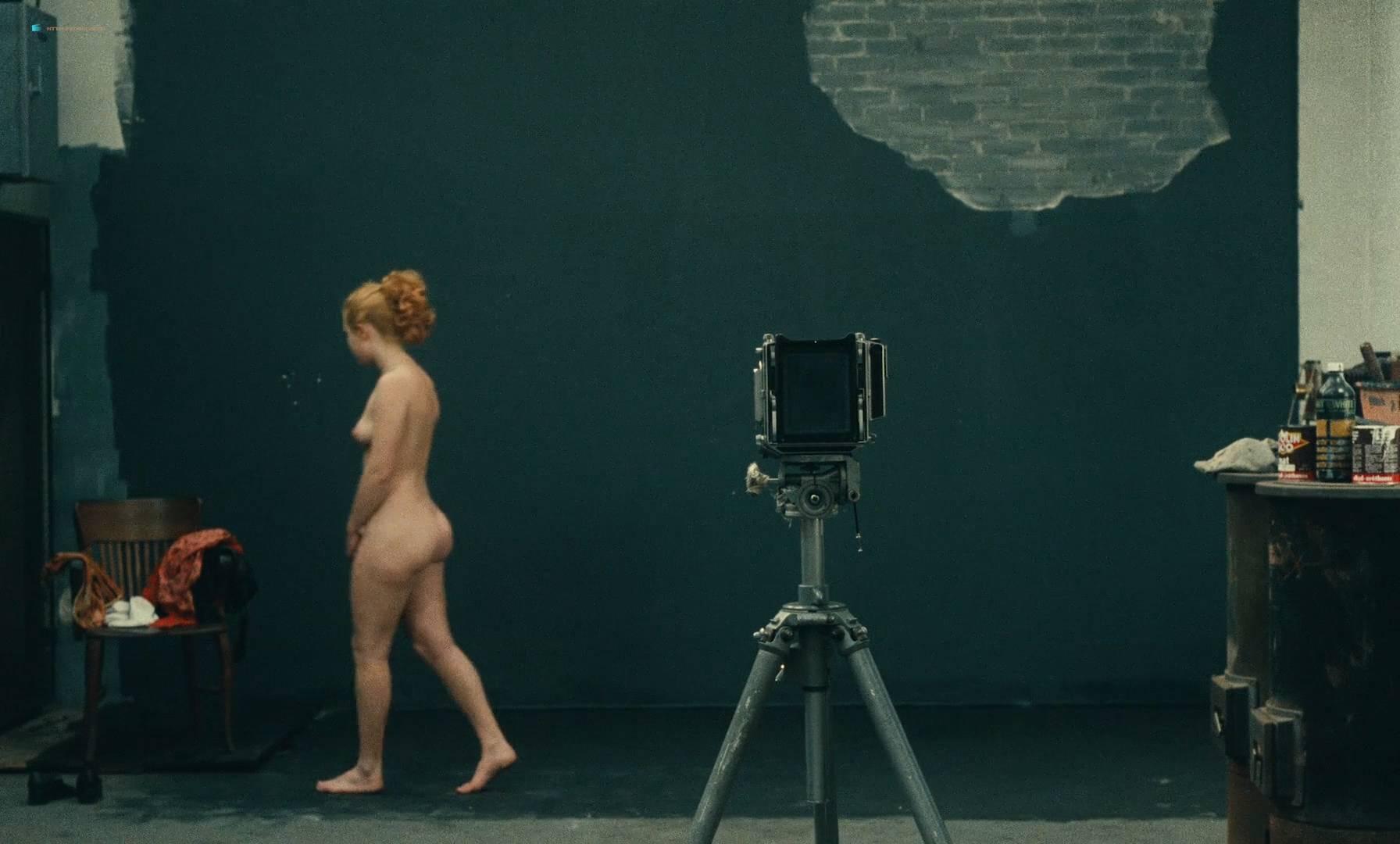 Thérèse Liotard nude topless and Valérie Mairesse nude full frontal - L' une chante, l'autre pas (FR-1977) HD 1080p (12)