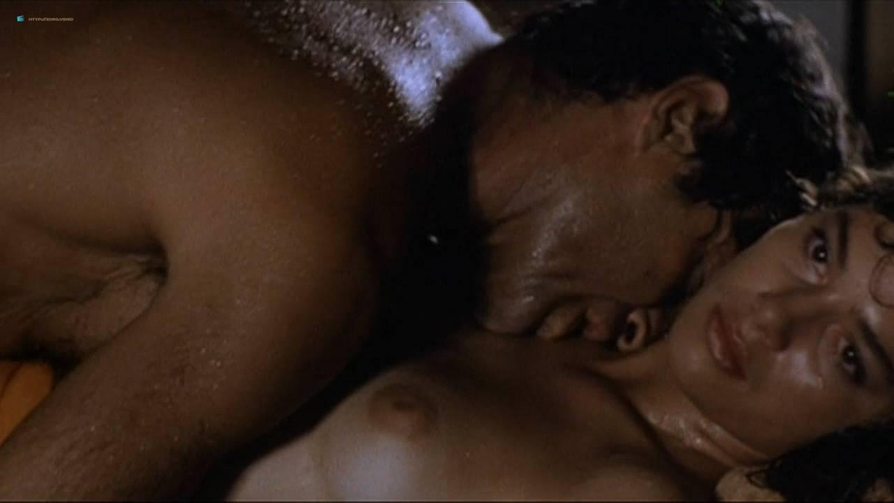 Valentina Forte nude bush butt and sex - Cut And Run (IT-1985) HD 720p (11)