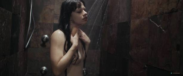 Kelsey Zukowski nude topless in bath and shower - Within These Walls (2015) HD 1080p WEB (4)