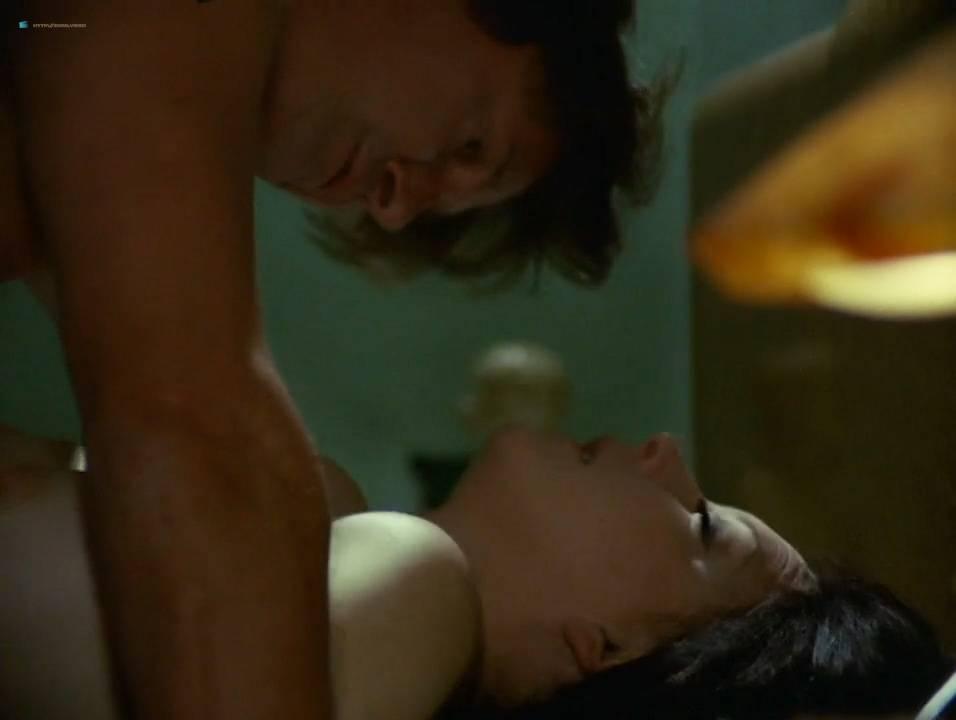 Lilian Lemmertz nude sex and Kate Hansen nude sex threesome - As Deusas (BR-1972) 720p (14)