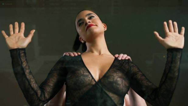 Paulina Gaitán nude topless and lot of sex - Diablo Guardián (MX-2018) s1e-6-8 HD 1080p Web (15)
