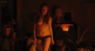 Christa Théret nude bush Laetitia Dosch nude topless - Gaspard Va Au Mariage (FR-2018) HD 1080p Web (16)