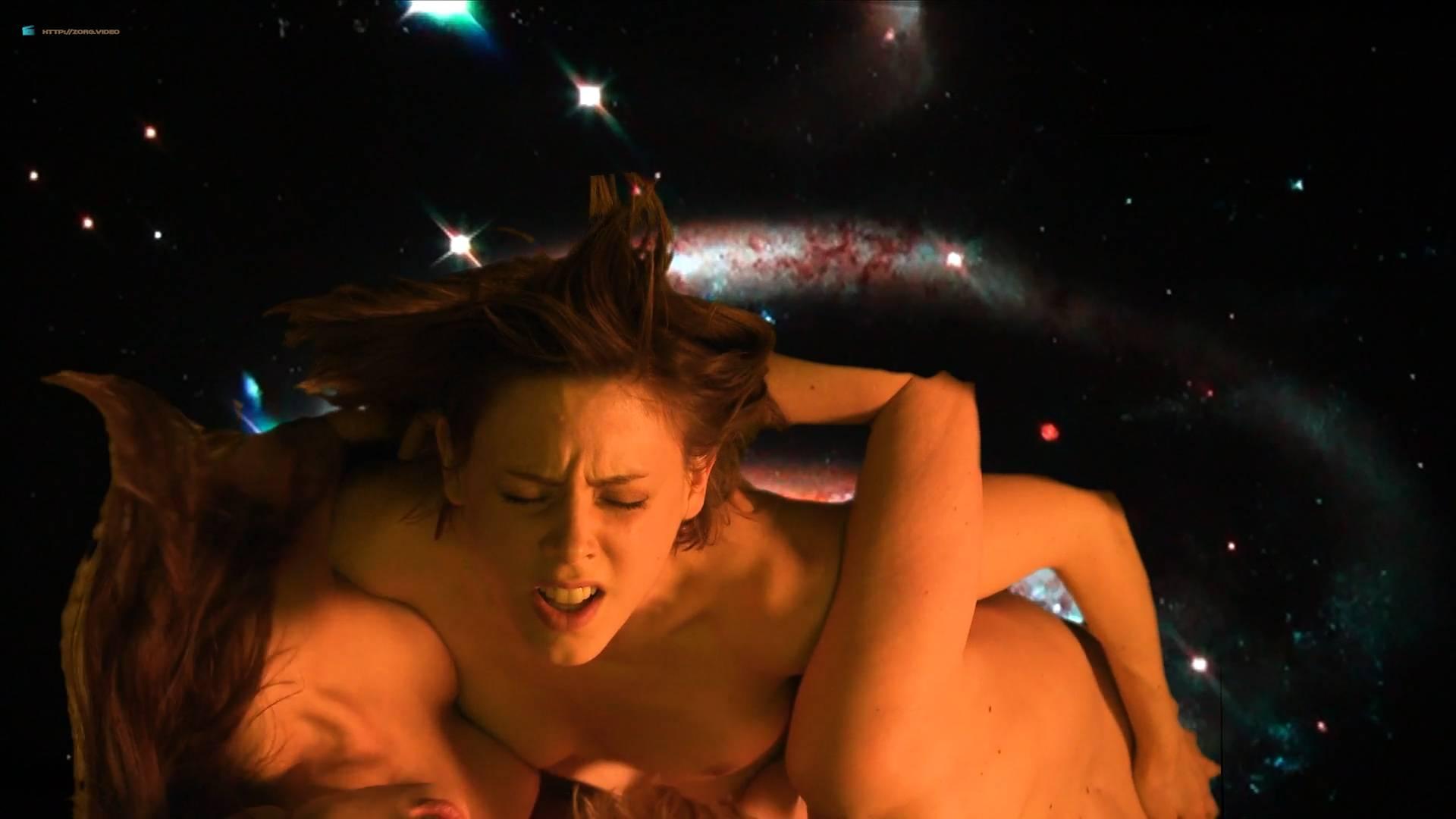 Fabienne Babe nude bush sex threesome Isabelle Prim, Anna Sigalevitch nude - Que le diable nous emporte (FR-2018) HD 1080p (2)