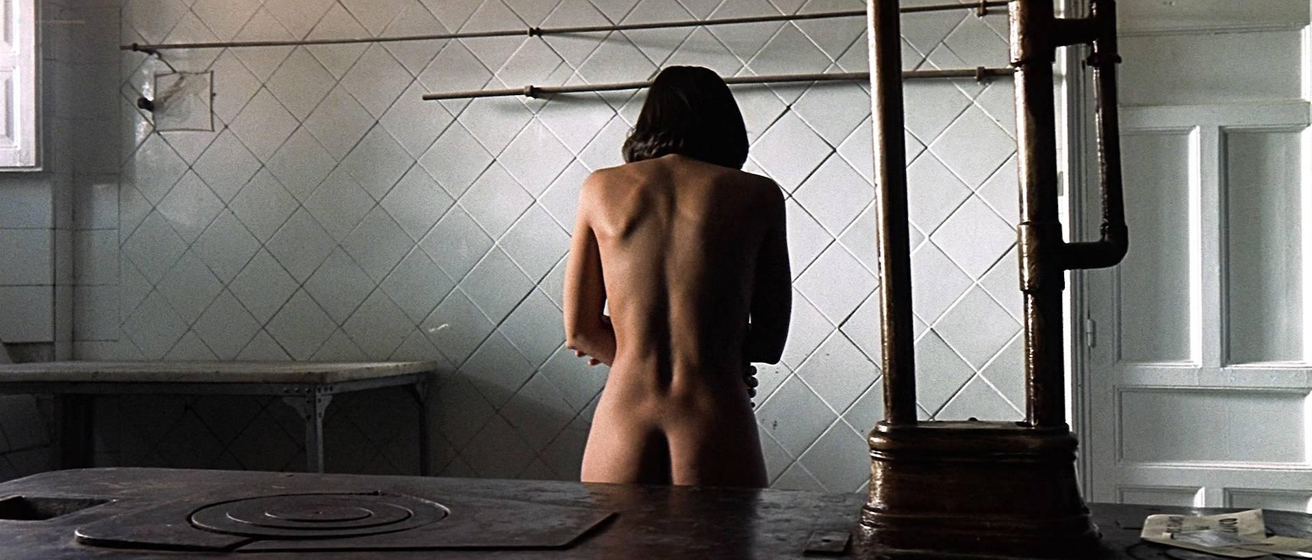 Verónica Sánchez nude topless and butt - Las 13 rosas (ES-2007) HD 1080p BluRay (8)