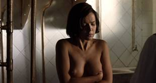 Verónica Sánchez nude topless and butt - Las 13 rosas (ES-2007) HD 1080p BluRay (7)