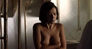 Verónica Sánchez nude topless and butt - Las 13 rosas (ES-2007) HD 1080p BluRay (7)