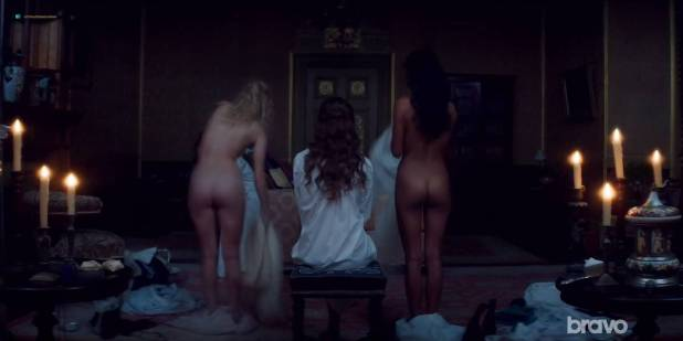 Lily Sullivan nude butt Samara Weaving and Madeleine Madden nude butt too - Picnic at Hanging Rock (2018) S01E03 HDTV 720p (8)