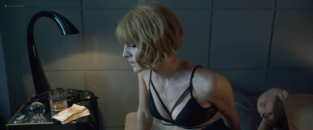 Amaia Salamanca hot and sexy in one scene - Perdida (AR-2018) HD 1080p Web (6)