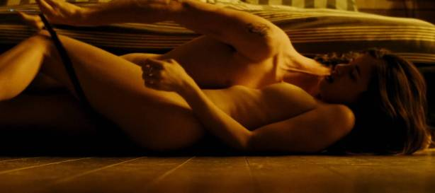 Camille Claris nude topless, butt and sex - Les étoiles restantes (FR-2016) HD 1080p (3)