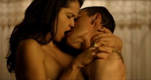 Tamara Duarte nude covered and sex and Kelly Cunningham nude sex in the car - Badsville (2017) HD 1080p BluRay (8)