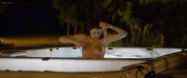 Sarah Bonrepaux nude topless in the pool and Alice David hot bikini - Monsieur Je-Sais-Tout (FR-2018) HD 1080p Web (11)