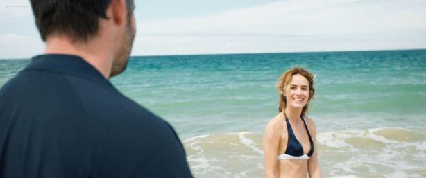 Sarah Bonrepaux nude topless in the pool and Alice David hot bikini - Monsieur Je-Sais-Tout (FR-2018) HD 1080p Web (3)