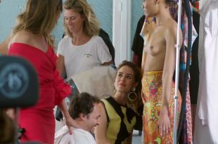 Alice David nip slip, Sabrina Ouazani, Charlotte Gabris hot and sexy – Demi soeurs (FR-2018) HD 1080p Web