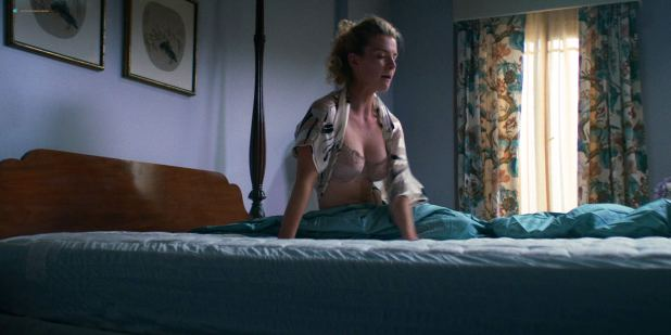 Betty Gilpin hot and sexy - GLOW (2018) s2e4 HD 1080p (2)