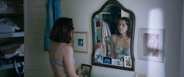 Maggie Gyllenhaal nude in the shower - The Kindergarten Teacher (2018) HD 1080p (6)