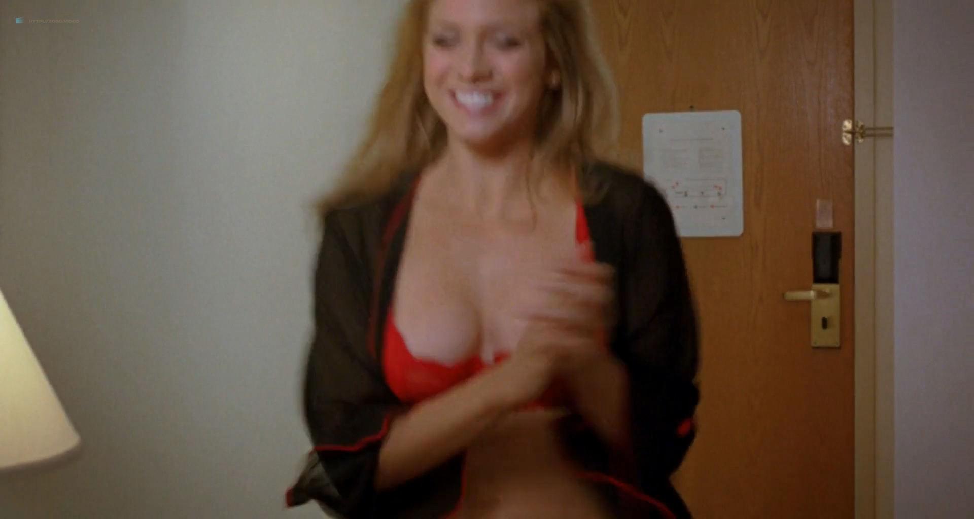 Brittany Snow hot in lingerie Sophia Bush, Arielle Kebbel, Ashanti hot and sexy - John Tucker Must Die (2006) HD 1080p (10)