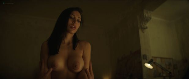 Cynthia Alesco nude topless and sex - The Romanoffs (2018) s01e06 HD 1080p Web (3)