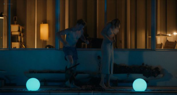 Emma Roberts hot and lot of sex Dree Hemingway nude boobs - In a Relationship (2018) HD 1080p WEB (6)