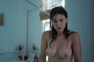 Charlotte Best nude topless Elsa Pataky hot, Jet Tranter nude - Tidelands (AU-2018) s1-e1-2 HD 1080p (5)