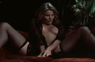 Mariel Hemingway nude topless, butt and sex – Star 80 (1983) HD 1080p