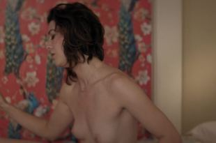 Mary Elizabeth Winstead nude topless and hot – All About Nina (2018) HD 1080p