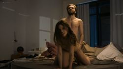 Lena Meckel nude butt, topless and sex doggy style - Counterpart (2018) s2e3 HD 1080p (3)