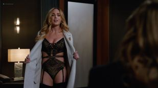 Caity Lotz hot and sexy in lingerie - DC's Legends of Tomorrow (2018) s4e6 HD 1080p