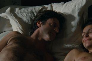 Carole Bouquet nude brief topless – Lucie Aubrac (FR-1997) HD 1080p BluRay