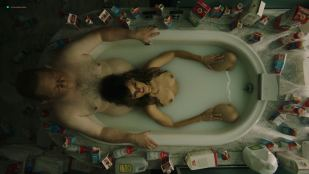Frankie Shaw nude topless in the tub - Smilf (2019) s2e2 HD 1080p