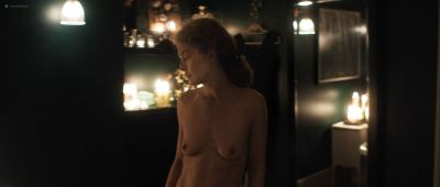 Rosamund Pike nude full frontal - A Private War (2018) HD 1080p BluRay (4)
