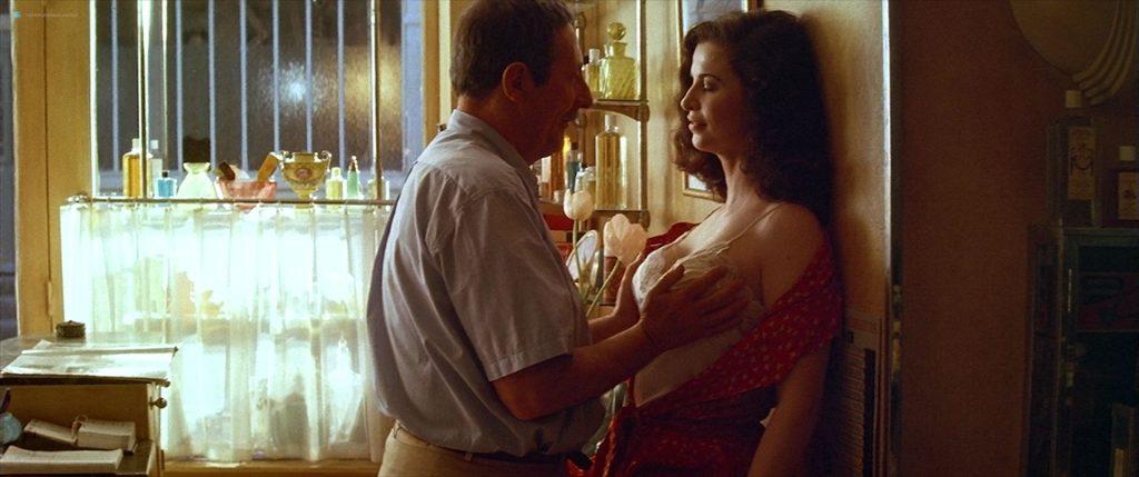 Anna Galiena hot see through and sexy - Le Mari de la Coiffeuse (FR-1990) HD 1080p BluRay (5)
