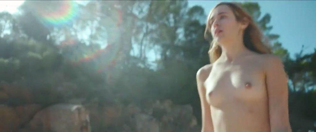 Úrsula Corberó nude sex Lucía Delgado nude bush and sex - El árbol de la sangre (ES-2018) HD 720p Web (13)