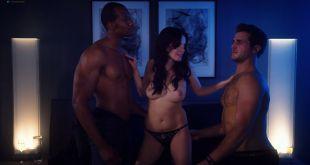 Kelli Berglund nude Roxane Mesquida nude sex threesome - Now Apocalypse (2019) s1e8 HD 1080p (7)