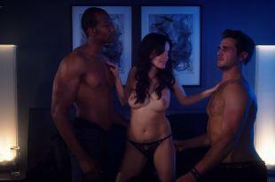 Kelli Berglund nude Roxane Mesquida nude sex threesome – Now Apocalypse (2019) s1e8 HD 1080p