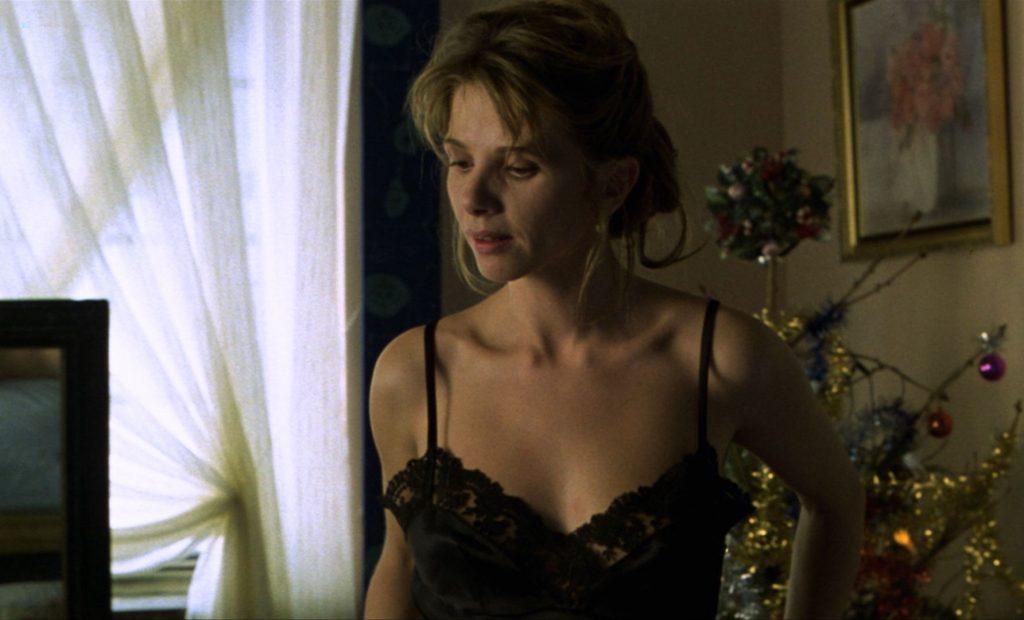 Victoria Abril nude butt Maribel Verdu bush – Amantes (ES-1991) HD 1080p BluRay (11)