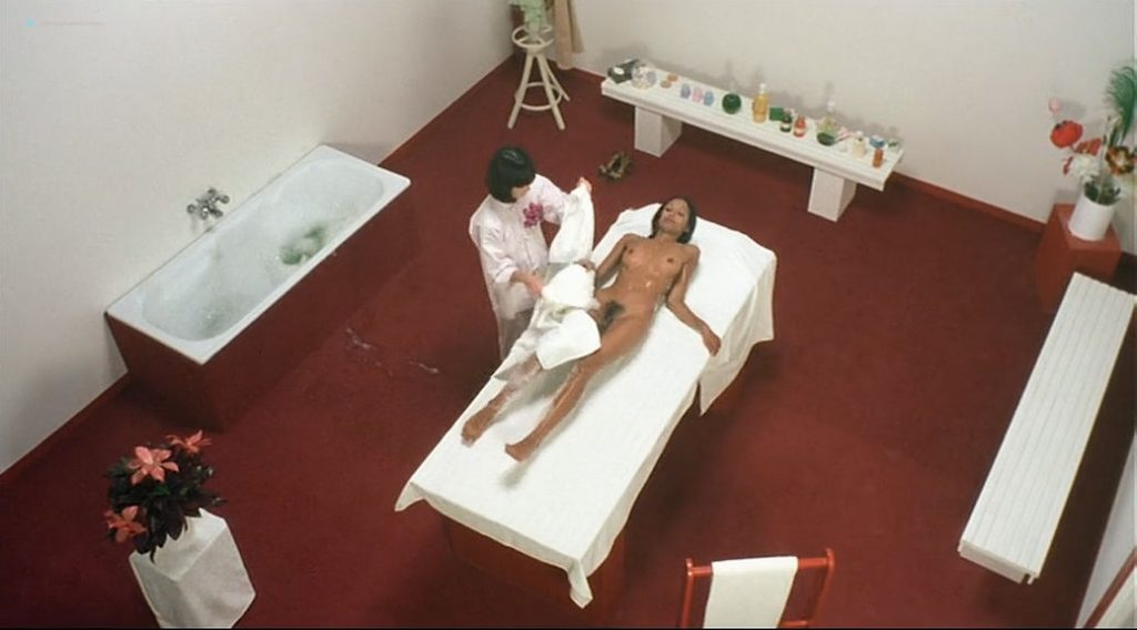 Laura Gemser nude full frontal and lot of sex Ely Galleani and others nude - Emanuelle in Bangkok (1976) (15)