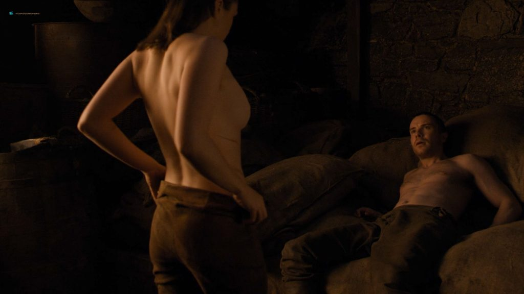 Maisie Williams nude butt and side boob - Game of Thrones (2019) s8e2 HD 1080p (4)