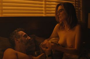 Julianne Moore nude topless and sex - Gloria Bell (2018) HD 1080p WEB (10)