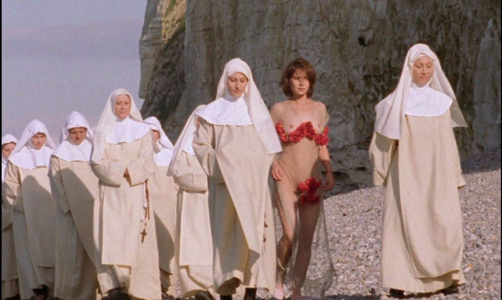 Sandrine Thoquet nude full frontal Magalie Aguado and others nude bush - La fiancée de Dracula (2002) HD 1080p (5)