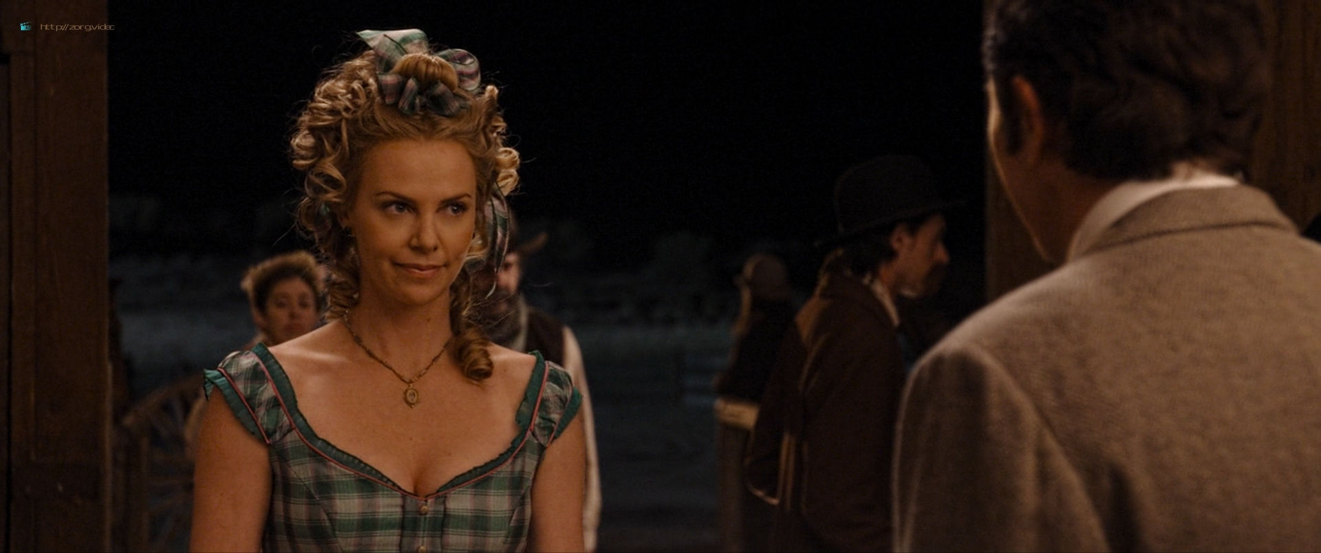 Charlize Theron sexy Amanda Seyfried and Sarah Silverman hot - A Million Ways to Die in the West (2014) HD 1080p BluRay (10)