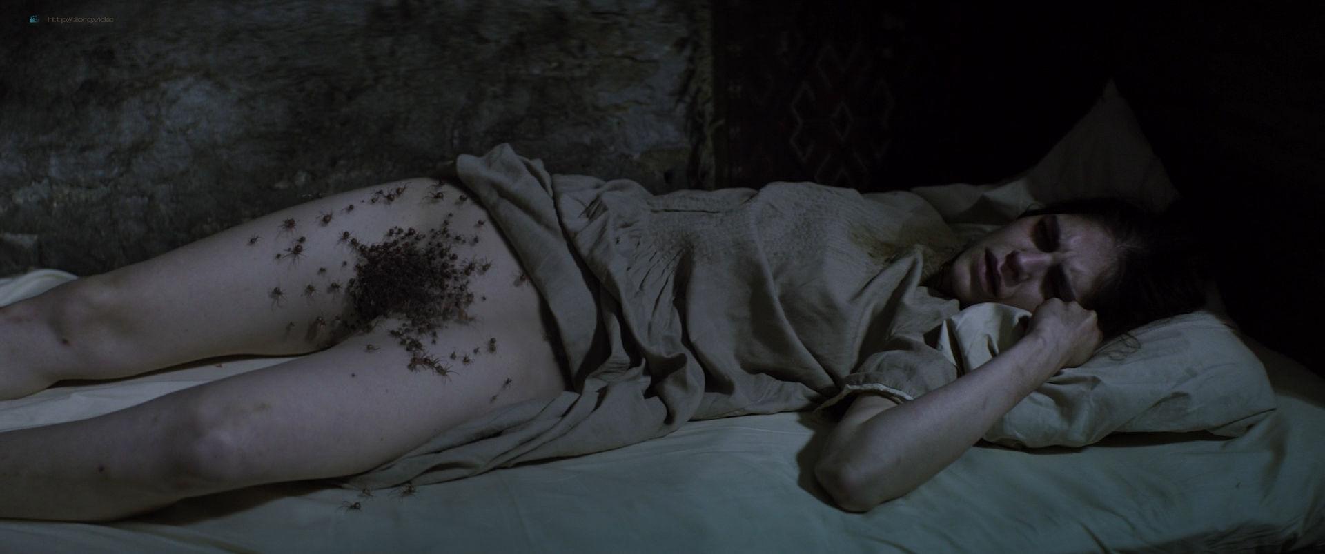 nude-women-of-horror-films-fak-irani-pussy