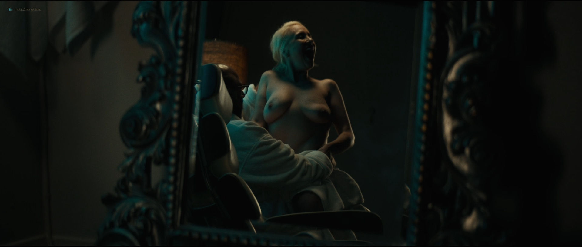 Emily Ratajkowski hot sideboob - Lying and Stealing (2019) 1080p WEB (15)