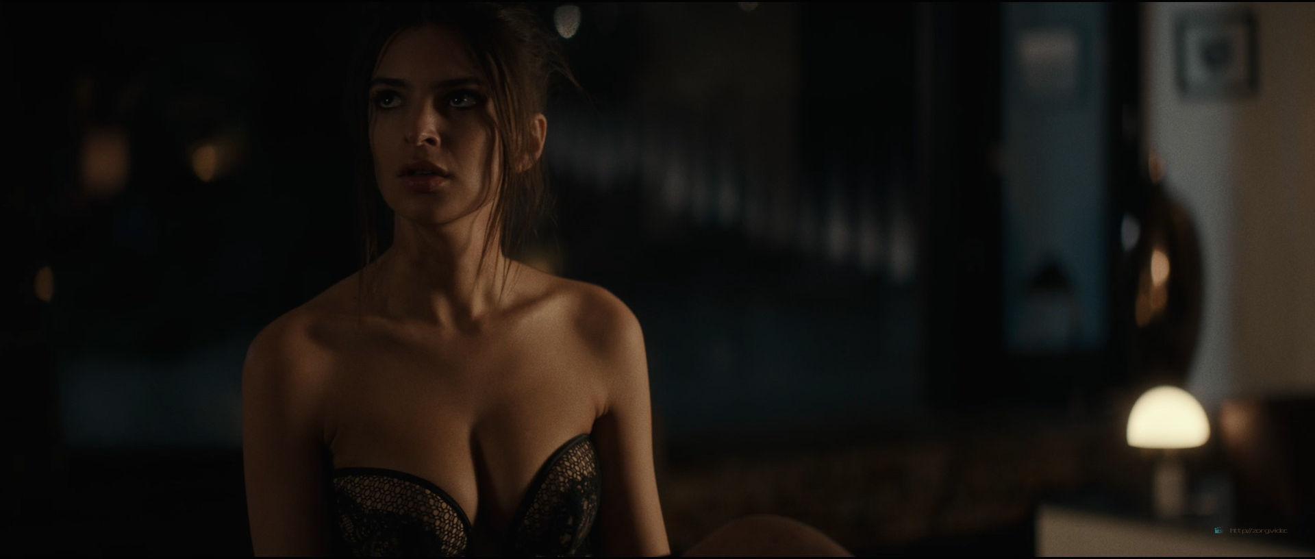 Emily Ratajkowski hot sideboob - Lying and Stealing (2019) 1080p WEB (2)