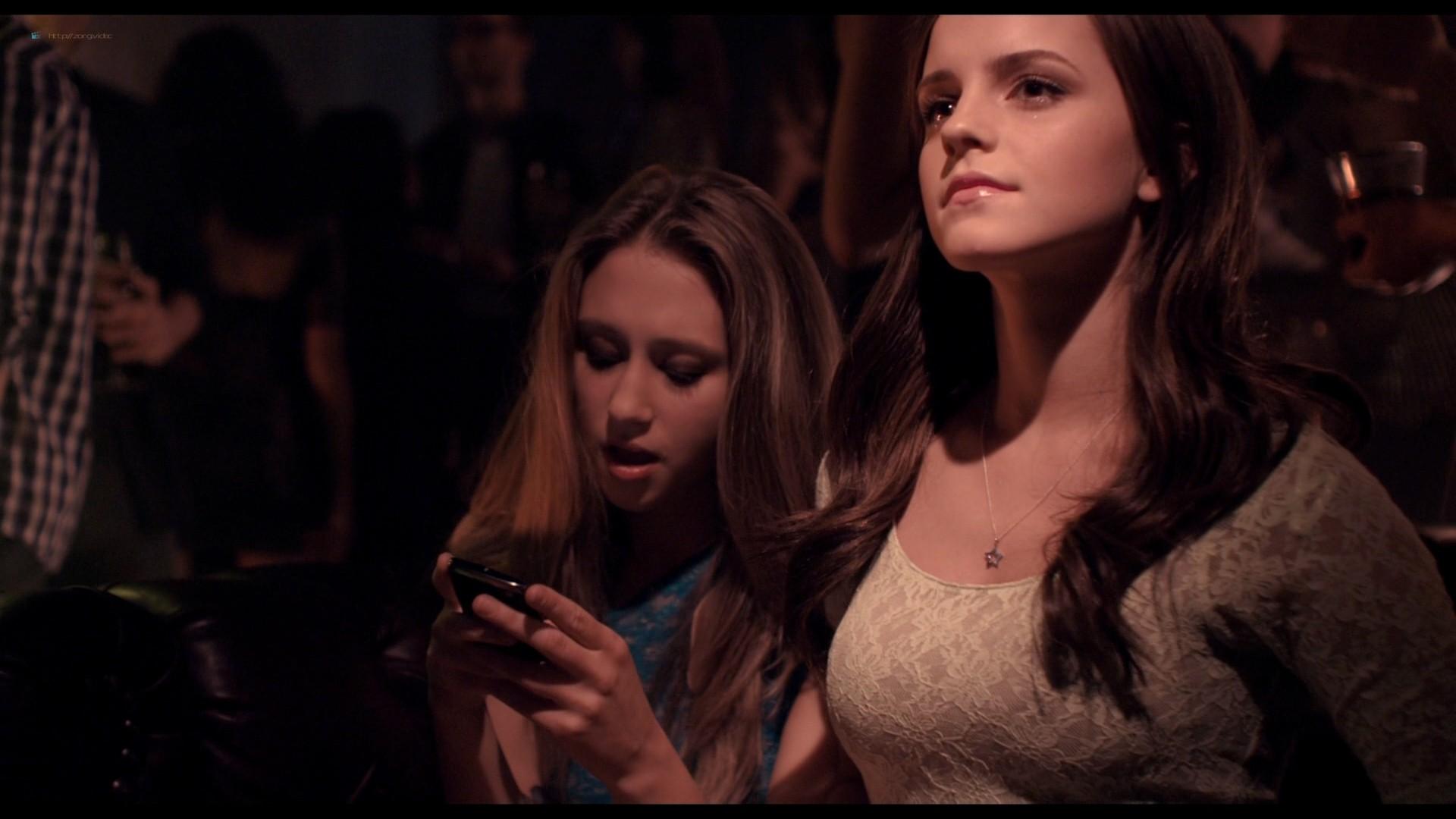 Emma Watson hot Taissa Farmiga and others sexy - The Bling Ring (2013) HD 1080p BluRay (18)