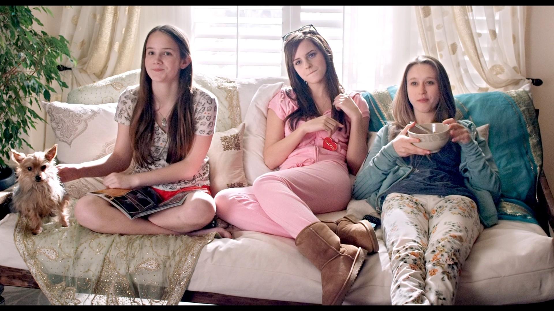 Emma Watson hot Taissa Farmiga and others sexy - The Bling Ring (2013) HD 1080p BluRay (16)