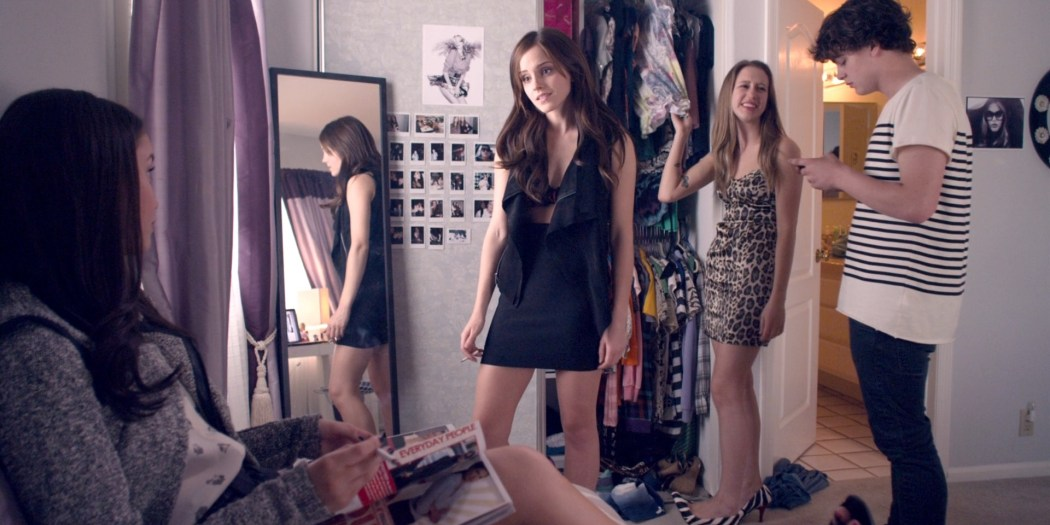 Emma Watson hot Taissa Farmiga and others sexy - The Bling Ring (2013) HD 1080p BluRay (13)